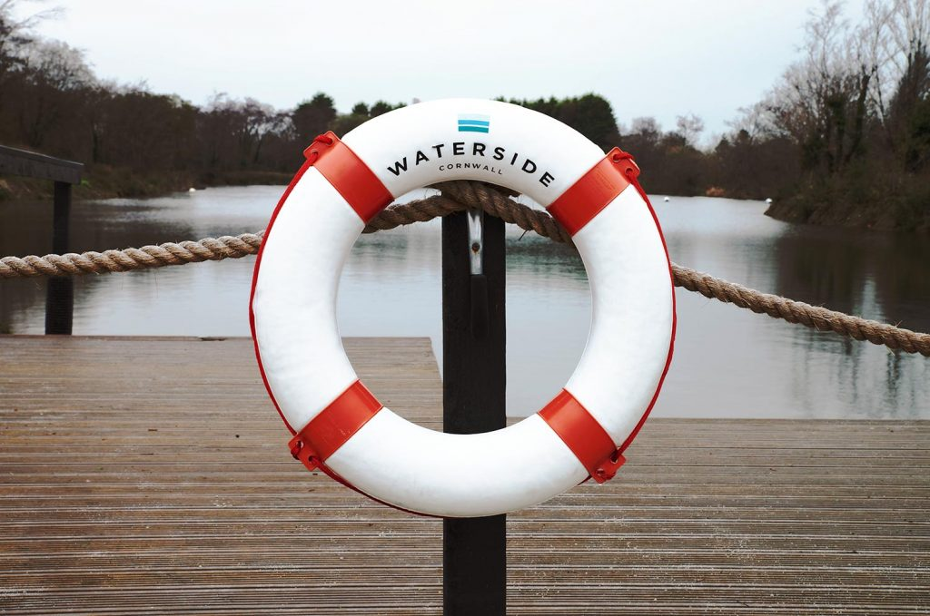Waterside-Cornwall-Buoy-Lake